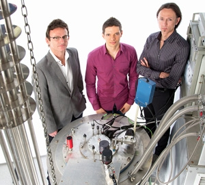 Project leaders Andrew Dzurak (left) and Andrea Morello (right), with PhD student and lead author Jarryd Pla (centre)